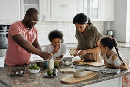 10 ustensiles indispensables dans une cuisine