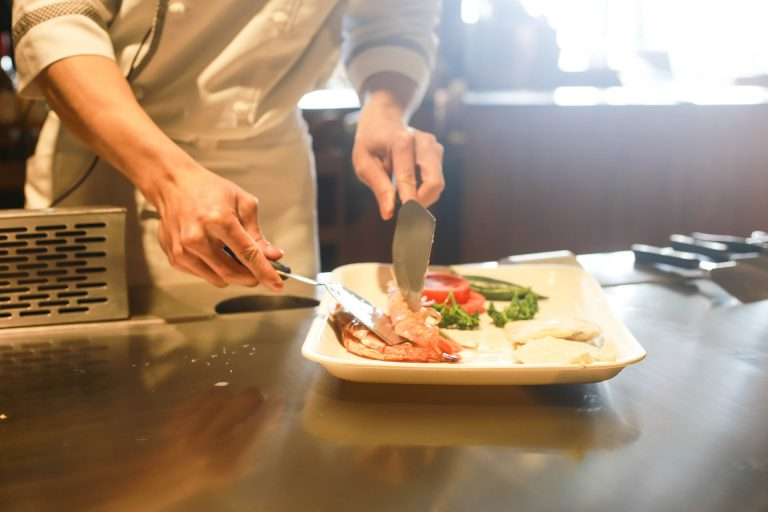 Apprendre à cuisiner 12 bases de la cuisine que tout le monde devrait connaître