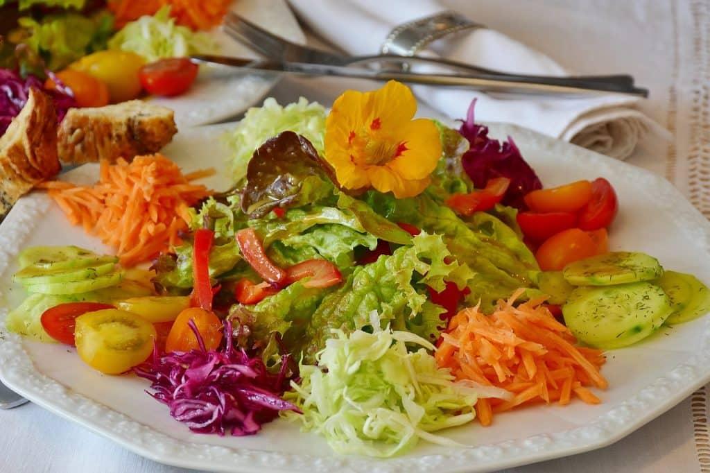 apprendre à cuisiner faire une salade