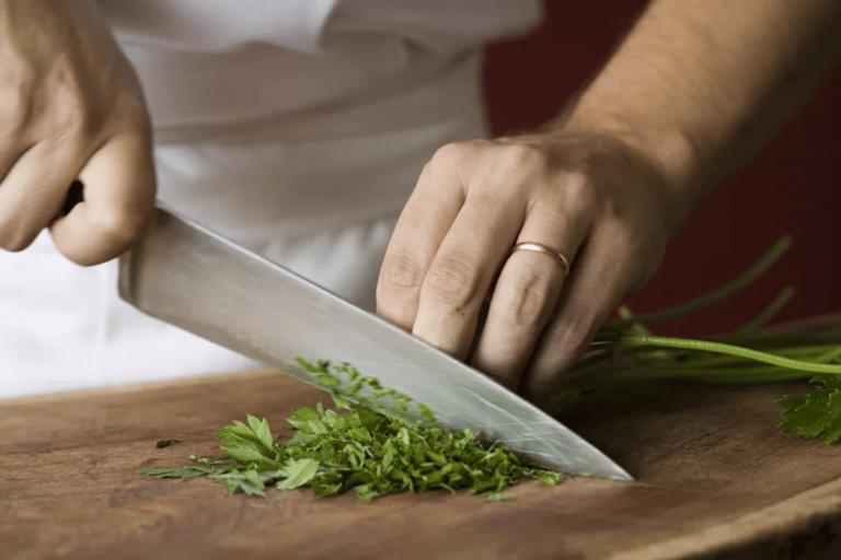 comment bien utiliser un couteau de chef